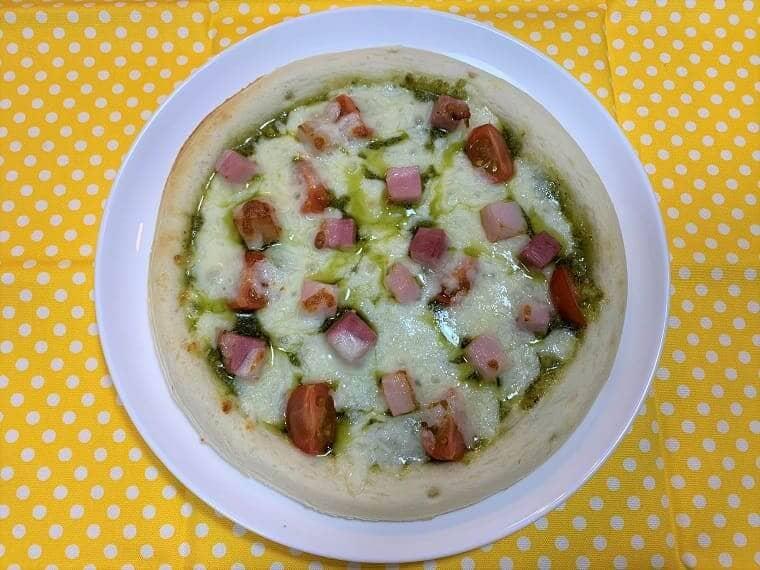 業務スーパーの冷凍ピザで作るジェノベーゼピザ