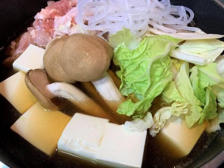 業務スーパーの豆腐を鍋で似ている写真