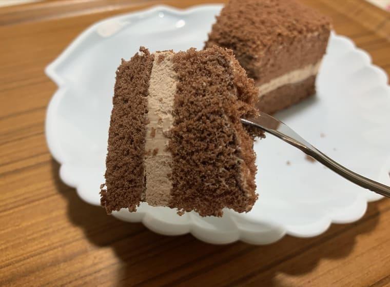 業務スーパーのチョコチップ入りふんわりチョコケーキ