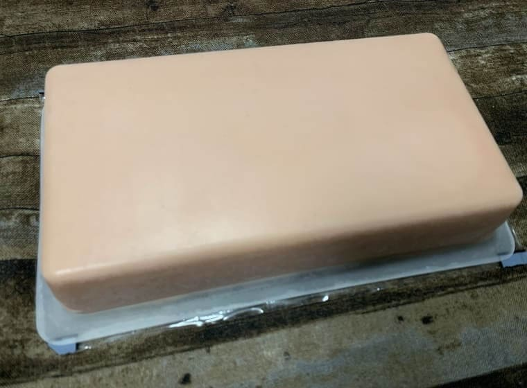 業務スーパーのリッチストロベリーチーズケーキのパッケージ裏写真