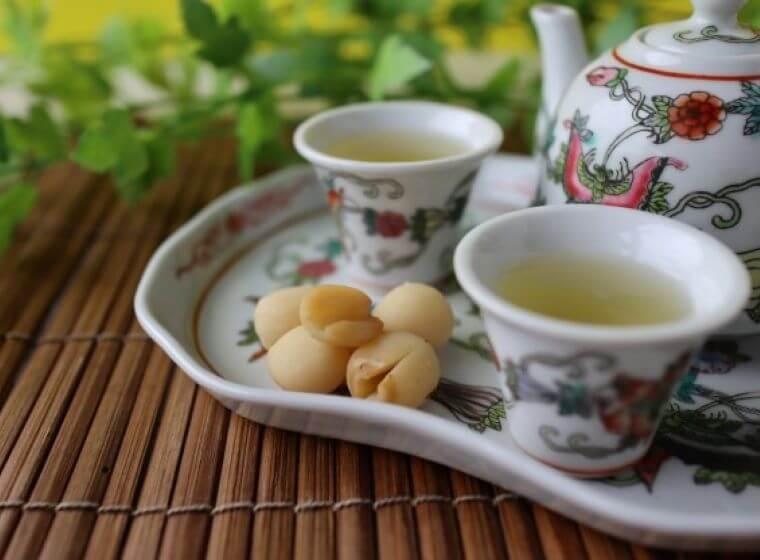 ハスの実と中国茶